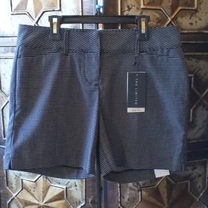 NWT The Limited Tailored Short Black with White Do